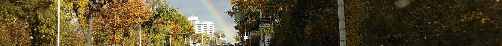 Herbstlicher Regenbogen über dem Luisenplatz